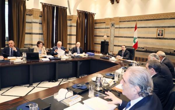تعرّف على أبرز بنود موازنة لبنان 'التقشفية': تغطية الفساد بالضرائب والرسوم