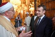هل تحاول بريطانيا وفرنسا تغيير هوية المسلمين؟