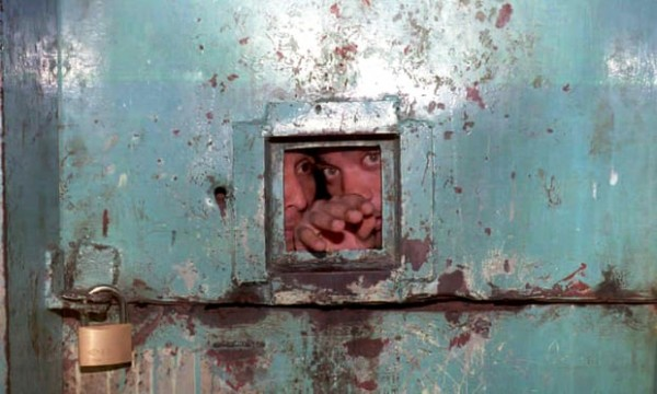 مقتل 25 سجيناً في مواجهات مع الشرطة الفنزويلية
