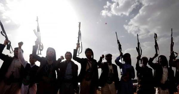 مليشيات الحوثي تعتقل القيادات المنهزمة.. وتجند الأفارقة