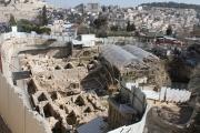 باحث: إسرائيل سرقت 3 ملايين وثيقة مقدسية من الأرشيف العثماني