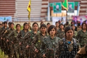 إيكونوميست: أكراد سوريا يريدون تحالفا أبديا مع أمريكا والمخاطر حول كيانهم متعددة