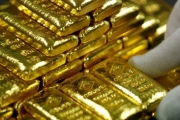 الذهب يسجل أعلى مستوى في أسبوع مع تصاعد الخلاف التجاري بين واشنطن وبكين