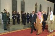 بالصور ... الحريري وصل الى جدة لترؤس وفد لبنان المشارك في القمتين العربية والاسلامية