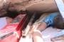 بالفيديو - فصل جديد من مأساة إدلب ... إخراج طفل حي من تحت أنقاض بيته