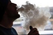 نكهات السجائر الإلكترونية لا تقل خطورة عن قطران السجائر العادية