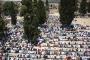 بالصور ... ربع مليون يؤدون صلاة الجمعة الأخيرة من رمضان بالأقصى