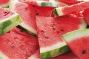 البطيخ.. 10 فوائد رائعة وخطر وحيد