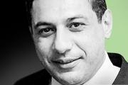 إيران: الإفراج عن  نزار زكا خلال ساعات