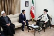 لماذا يلعب رئيس الوزراء الياباني دور الوسيط بين إيران وأمريكا هذه المرة؟ الرجل سيكسب في كل الأحوال