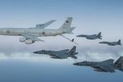 بالفيديو ... تحليق مشترك لمقاتلات سعودية وأميركية فوق الخليج