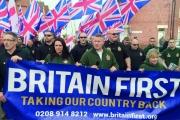 إرهاب اليمين المتطرف يسمم أجواء بريطانيا.. بالكراهية