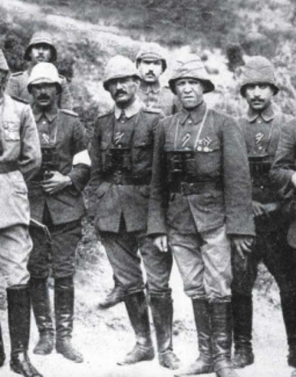 هل «خان» العرب الدولة العثمانية؟ وكيف منح البريطانيون فلسطين لليهود؟ اقرأ «سلام ما بعده سلام» لتفهم!