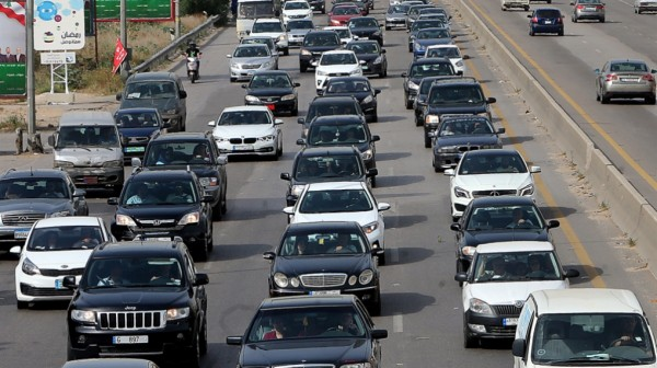 التحكم المروري: تعطل شاحنة على طريق عام الرابية محلة مفرق مستشفى سرحال وحركة المرور كثيفة في المحلة