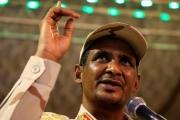 انقلاب 'كامل الدسم'.. حميدتي يقبل 'تفويضا' بتشكيل حكومة والمحتجون يُصعّدون