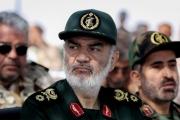 «الحرس» الإيراني يلوّح باستهداف باليستي لحاملات الطائرات