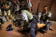 محتجو هونغ كونغ يخططون لـ 'اختبار صمود' مصرف صيني