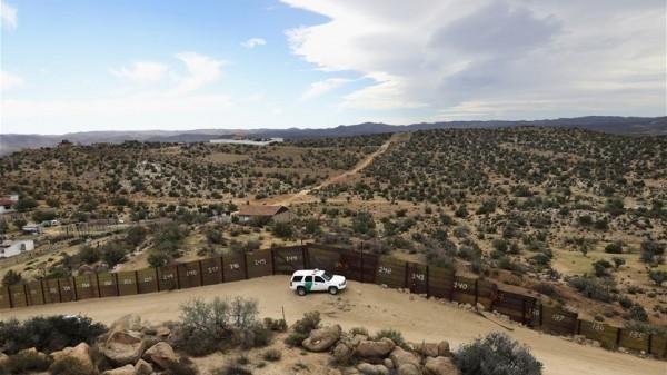 توقيف جنديين أميركيين بتهمة تهريب مهاجرين من المكسيك