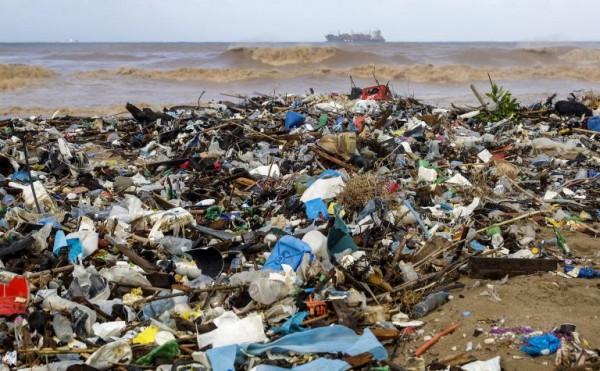 لبنان جنة النفايات والتلوّث البيئي