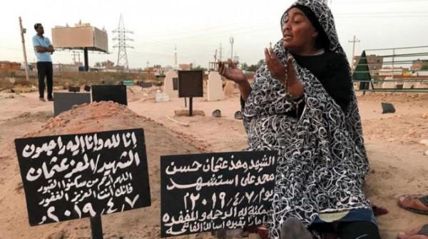 عائلات سودانية دفعت ثمن الثورة بدماء أبنائها