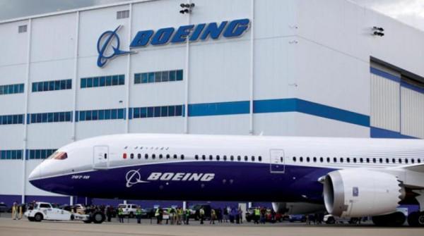 «بوينغ» تتجه لخسارة عرش صناعة الطائرات... و«إيرباص» تنتعش