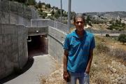 معاناة عائلة فلسطينية تعيش معزولة بسبب الجدار الفاصل في الضفة الغربية