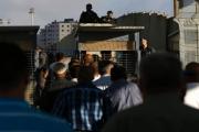 رشوة إسرائيلية أم صفقة:تسهيلات غير مسبوقة للعمال الفلسطينيين!