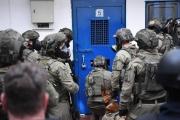 رقعة الإضراب في سجون الاحتلال تتسع وتدهور بصحة أسير