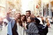 لماذا يشارك الناس تفاصيل حياتهم على مواقع التواصل الاجتماعي؟