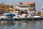 ميناء صور ضاق بأهله: السياحة بمواجهة لقمة العيش