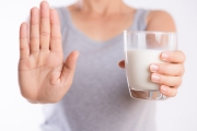 تصيب الرُّضع وتختلف عن حساسية اللاكتوز.. تعرف على حساسية الحليب