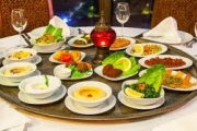 احتفال يومي بالحياة.. ماذا تعرف عن سياحة الطعام في لبنان؟