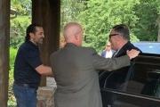 بالصور ... الحريري استقبل بومبيو في مزرعته قرب واشنطن