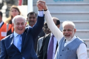من هنا تعلمت إسرائيل.. كيف يكتوي الفلسطينيون بنار القمع الهندية؟