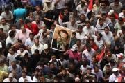 «إيكونوميست»: لماذا أصبح كثير من المصريين يفتقدون رئيسهم «المخلوع» حسني مبارك؟