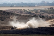 إسرائيل تقصف أهدافاً لـ«حماس» في غزة رداً على إطلاق صواريخ