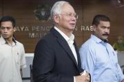 بدء محاكمة رئيس الوزراء الماليزي السابق بتهم سرقة أموال الدولة