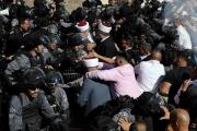 قوات الاحتلال تضاعف حملات المداهمة في الضفة وتصادر كاميرات مراقبة ومواجهات توقع إصابات