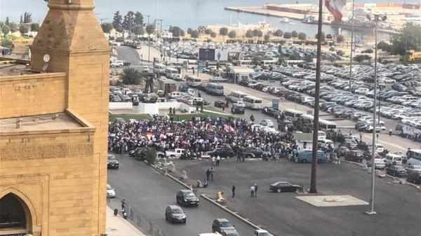 اعتصام حاشد للاجئين الفلسطينيين في ساحة الشهداء (صور)