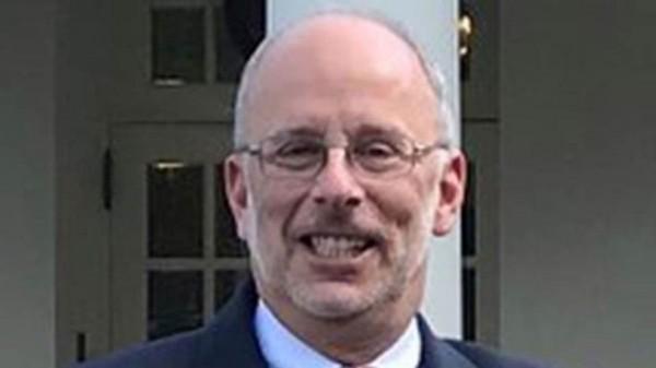 من هو تشارلز كوبرمان الذي عينه ترامب خلفاً لجون بولتون؟