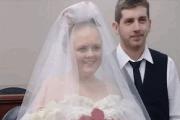 قصة حب دامت سنوات طويلة وانتهت بزواج لم يستمر لأكثر من 5 دقائق!