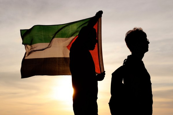 الفلسطينيون سعداء «بخسارة» نتنياهو ولا يتوقعون تغييرات جوهرية