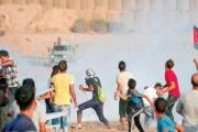 أكثر من 70 مصاباً فلسطينياً في «الجمعة 75» من مسيرات العودة