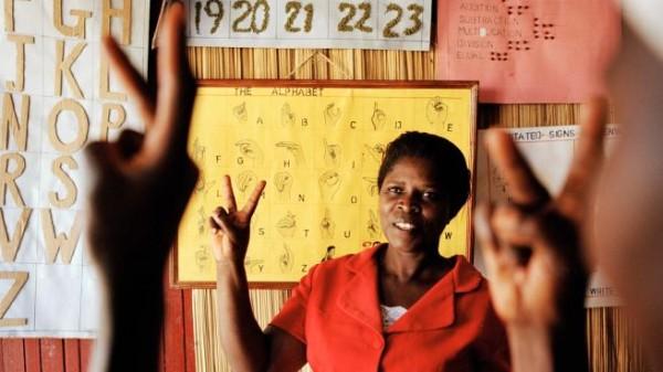 لغة الإشارة… حقّ 72 مليون أصمّ حول العالم