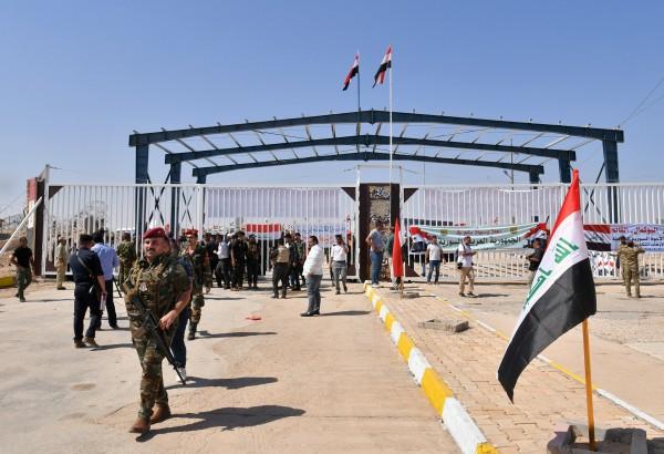 إعادة فتح معبر البوكمال بين سوريا والعراق