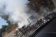 سكان النخلة يحذرون من إستمرار حرق النفايات