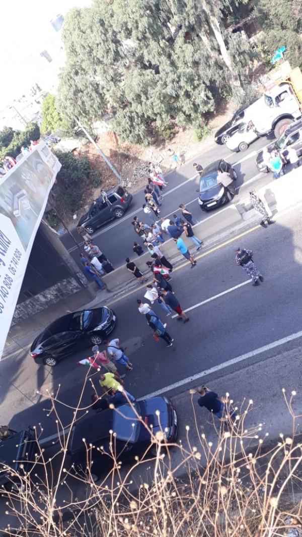 قطع اوتوستراد البترون من قبل محتجين بالاتجاهين