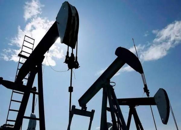 إنخفاض أسعار النفط لليوم الثاني على التوالي