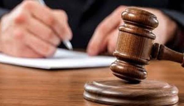 اتهام 3 وزراء اتصالات سابقين في لبنان بالهدر واختلاس المال العام
