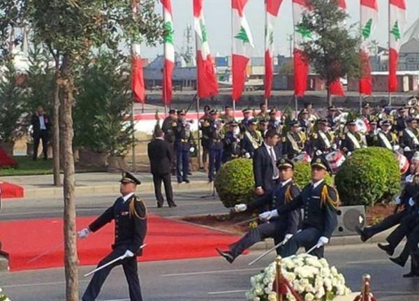 عيد الاستقلال الـ76.. عرض عسكري وأحاديث جانبية